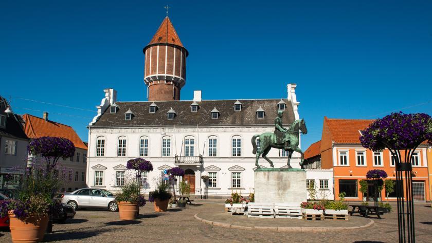 Billede af det gamle rådhus i Nakskov