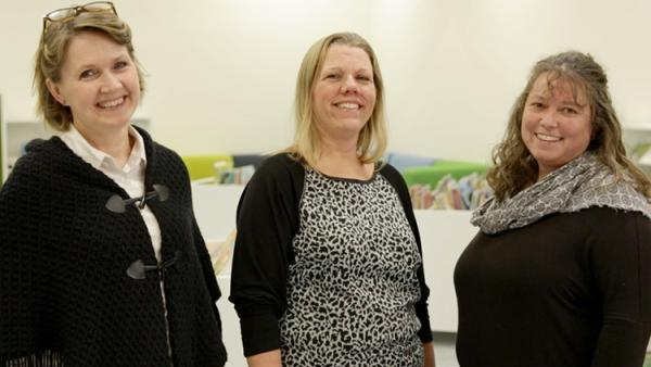 Tre smilende mødre